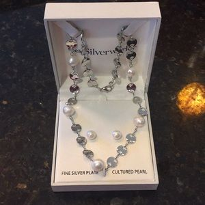 NIB silver & pearl necklace and earring set